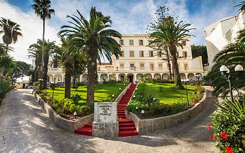 Grand Hotel Villa De France 01