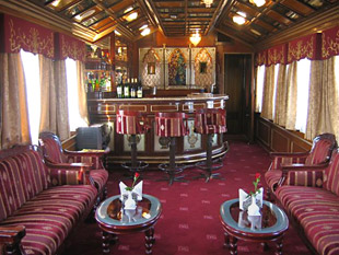 Palace on wheels 01