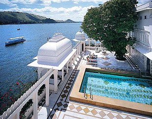 Taj lake palace 02