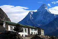 Everest Lodges