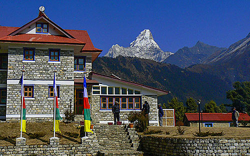 Lodges in pangboche 01