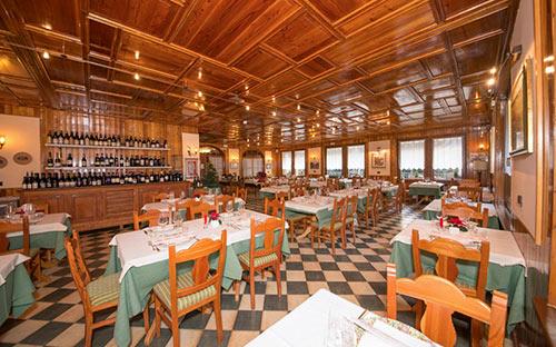 Hotel Castor Wilderness Travel - Restaurant-interior-design-at-wt-hotel-italy