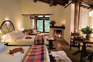 Hotels at machu picchu ruins 01