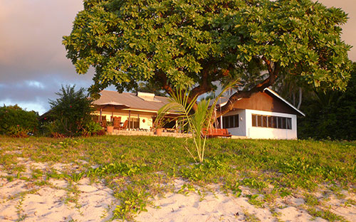 Sandy beach resort tonga 02
