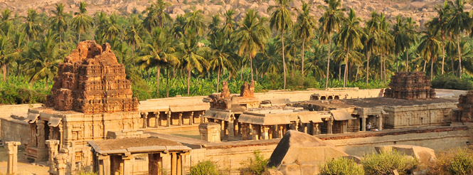 temple ruins at Hampi in India
